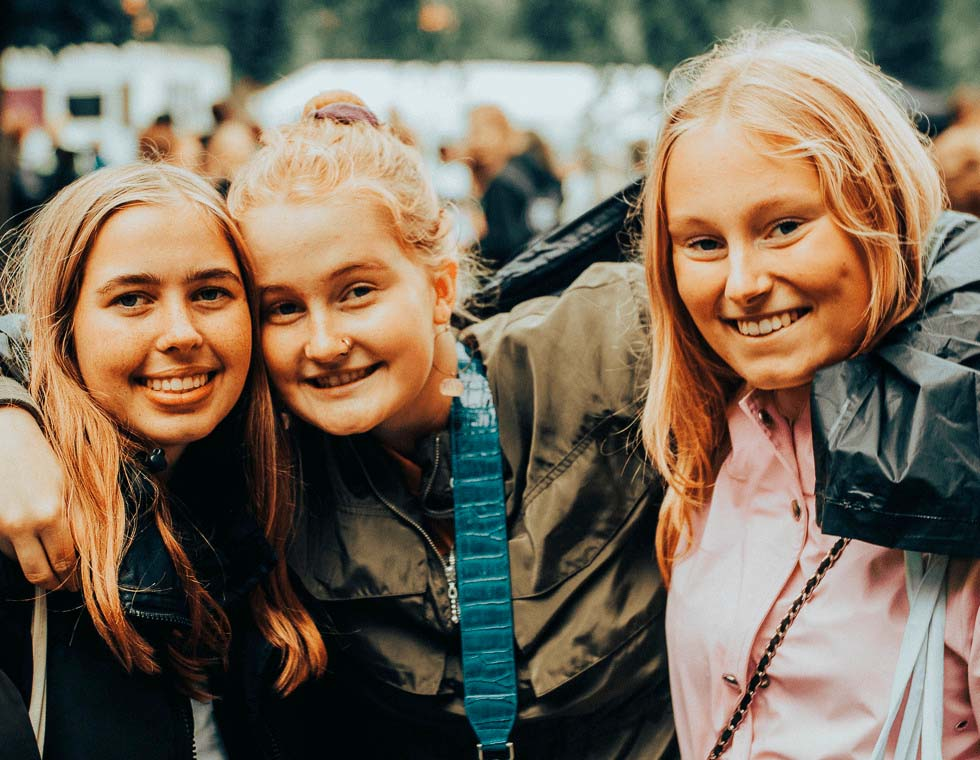 Piger til koncert i Hjørring